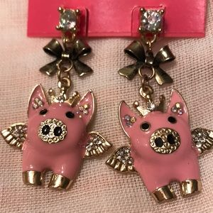Betsey Johnson Flying Pigs Earrings🐷🐷🐷